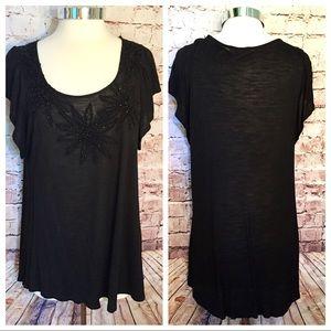 Tops - Black short bell cap sleeved top w/ beading